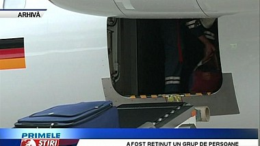 Poliţia a reţinut un grup de persoane, care fura bunuri din bagajele pasagerilor Aeroportului Internaţional Chişinău