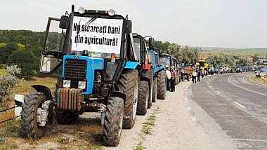 Proteste în întreaga ţară. MOTIVUL pentru care fermierii sunt revoltaţi