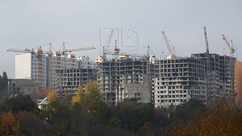 Terenurile pentru construcţii s-au ieftinit în medie cu zece la sută