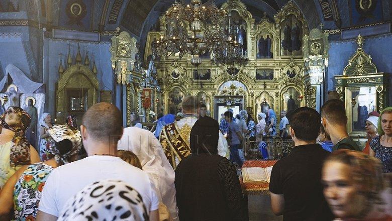 Credincioşii sărbătoresc Ziua Sfintei Cruci. În biserici sunt oficiate servicii divine speciale