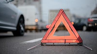 Accident pe şosea. Un autocar cu pasageri s-a ciocnit cu un camion