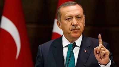 Recep Erdogan a aterizat pe aeroportul din Chişinău. Președintele Turciei a fost întâlnit de preşedintele moldovean Igor Dodon