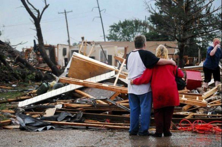 SUA: Peste 30 de persoane rănite după ce trei tornade au lovit statul Oklahoma
