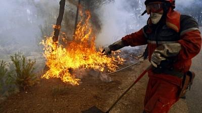 Un nou incendiu. Încă un depozit de crengi a ars în sectorul Botanica