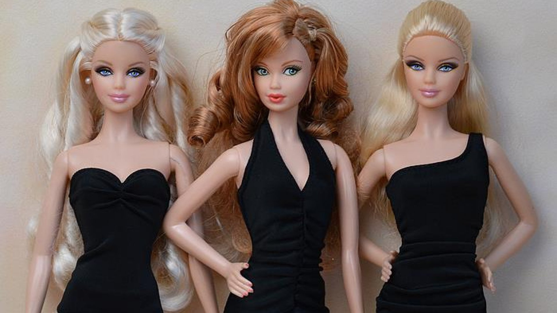 essay on barbie In the essay 'our barbies, ourselves,' emily prager explores the history of the barbie doll and talks about the barbie doll itself prager seems convinced that the barbie doll was an object created by a man and that barbie reeks of sexuality, sexual innuendo and serves as the anti-feminist embodiment of every man's fantasy.