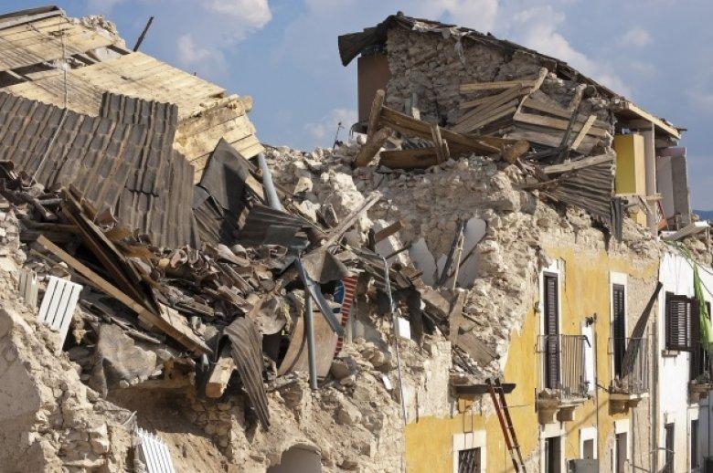 Mexicul este în DOLIU. Ţara îi comemorează pe cei 65 de morţi, în urma cutremurului