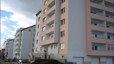 Un moldovean s-a aruncat de la etajul patru al unui bloc de locuit din România