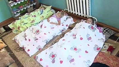 Situaţie revoltătoare în raionul Cahul. Copiii de la grădiniţa din localitatea Frumuşica dorm pe podea