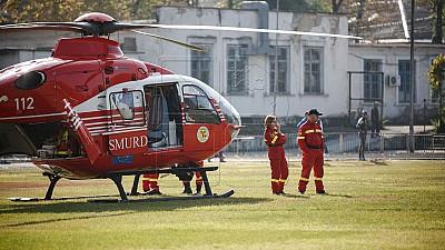 Adus cu elicopterul SMURD. Un adolescent de 15 ani a ajuns în comă la spital, după un accident rutier