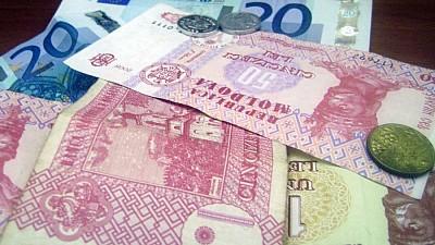 Lefuri mai mari. 120.000 de bugetari vor primi salarii majorate cu 10%