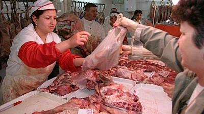 S-a scumpit carnea. Prețurile la Carnea de porc s-a majorat în ultima lună cu 10 la sută