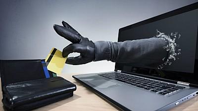 Furturi virtuale. Hackerii au furat de la 10 antreprenori jumătate de milion de euro