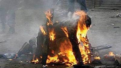 Crimă terifiantă în Capitală. Un bărbat de 49 de ani a fost incendiat de un amic de pahar