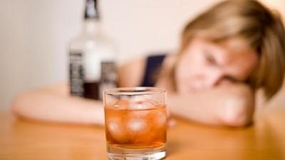 Reguli STRICTE! Publicitatea la băuturile alcoolice va fi difuzată doar după 22:00