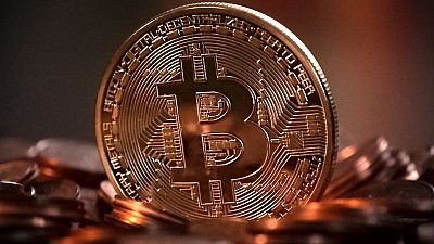 Viitorul bate la uşă. Deţinătorii de Bitcoini pot face cumpărături în Moldova