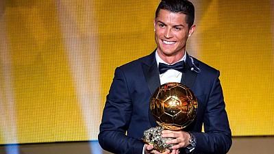 Fotbalistul Cristiano Ronaldo a câştigat pentru a cincea oară Balonul de Aur