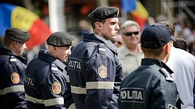 Privilegiile poliţiştilor. Inspectoratul General al Poliţiei îi convinge pe moldovenii din diasporă să revină în ţară