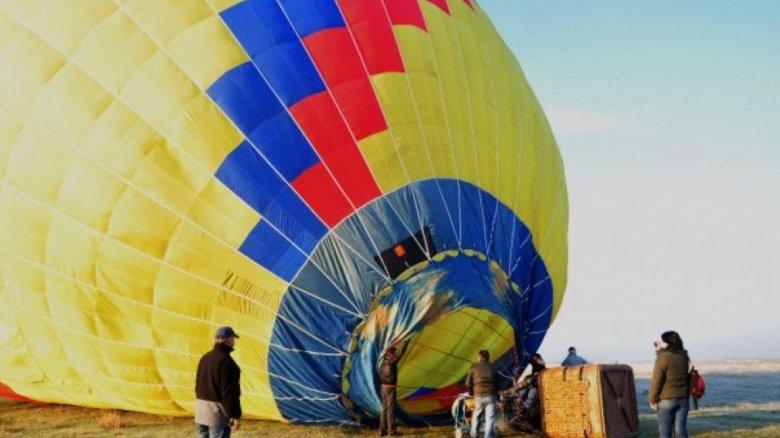 Șapte oameni au fost răniţi, după ce un balon cu aer cald s-a prăbușit în Australia. Care este cauza producerii incidentului
