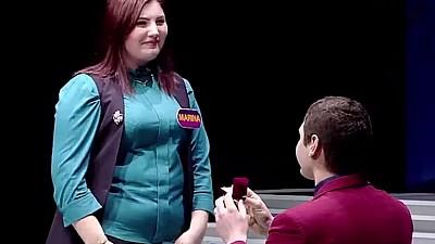 """Сюрприз для девушки. Участнице телешоу """"100 DE MOLDOVENI AU ZIS"""" предложили выйти замуж"""