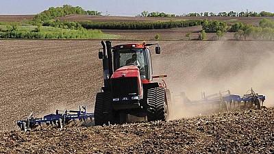 Din primăvară, tinerii fermieri și femeile care vor să pornească afaceri în agricultură, ar putea obține subvenţii de la stat care vor fi oferite în avans