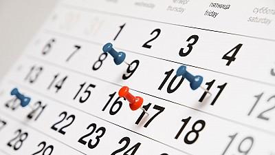 Bugetarii ar putea beneficia de o minivacanţă la sfârşitul lunii august. Câte zile se vor odihni aceștia