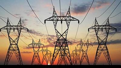 Tarifele pentru energia electrică, reduse pentru consumatorii casnici cu 5,5 la sută de la 1 aprilie