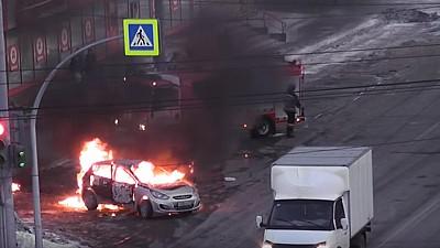 La un pas de tragedie. Doi pompieri din regiunea rusă Celeabinsk, răniţi după ce o maşină a explodat