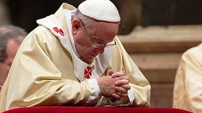 Imaginea zilei: La Vatican Papa Francisc a oficiat Messa din Joia Mare, înaintea Paştelui la Catolici