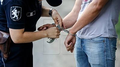 За попытку подкупа. Жителя Кантемира задержали по подозрению в коррупции