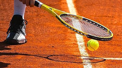 SCANDAL în tenisul moldovenesc. Tatăl unei sportive susține că ar fi fost agresat de vicepreşedintele Federaţiei de Tenis, Valeriu Helbet