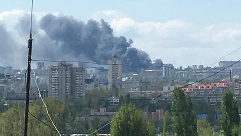INCENDIU DEVASTATOR la Academia de Ştiine din Capitală. 100 de pompieri cu 14 autospeciale au luptat cu flăcările timp de câteva ore