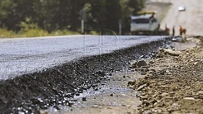 Aproape 10.000 de metri pătrați de drum din Chișinău, asfaltați în doar două săptămâni