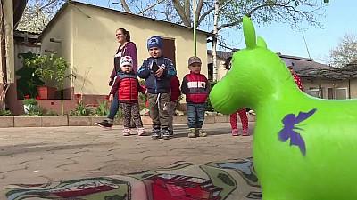 Bucurie pentru copiii din satul Pelinia. Grădiniţa numărul 4 din localitate a fost redeschisă, după reparaţie capitală