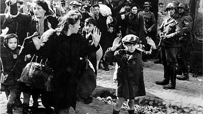 Au comemorat Holocaustul. În Israel, oamenii au ţinut două minute de reculegere