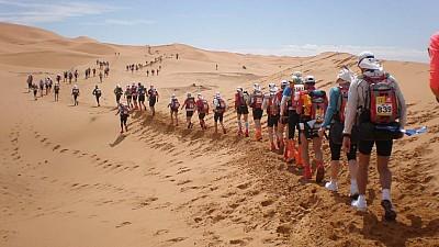 Imaginea zilei: În Maroc se desfăşoară cea de a 33-a ediţie a Maratonului de Sable