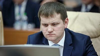 Nu respectă legea! Candidatul la funcția de primar general al Capitalei, Valeriu Munteanu a folosit o nouă piesă renumită pentru alt spot de promovare