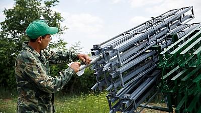 Terenurile agricole din Moldova vor fi protejate de intemperii. 8.000 de rachete antigrindină vor fi distribuite în 2018