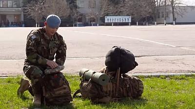 Rucsacul soldaților moldoveni. Cum îi salvează acesta pe militari