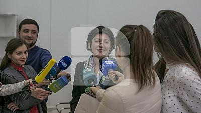 Silvia Radu şi-a depus dosarul la CEC. Primarul interimar a colectat 13.200 de semnături