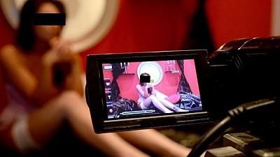 Videochatul, practicat tot mai mult în Moldova. Cum erau ademenite tinerele ca să presteze servicii sexuale on-line