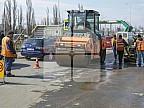 Muncesc zi şi noapte pentru a reabilita drumurile. Angajaţii Exdrupo au plombat gropile de pe 20 de străzi din Capitală