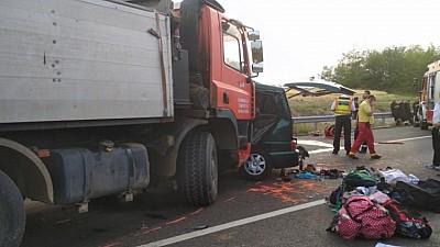 Detalii şocante în cazul accidentului din Ungaria, soldat cu moartea a nouă români. Şoferul microbuzului nu avea licenţă pentru transportarea persoanelor