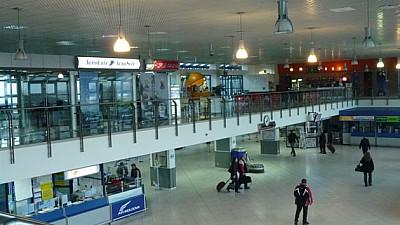 Veşti bune pentru pasagerii Aeroportului din Capitală. Sala de plecări va fi modernizată şi extinsă cu 800 de metri pătrați
