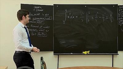 Elev de nota ZECE. Cum a fost scutit un absolvent din Capitală de BAC-ul la engleză, informatică şi matematică