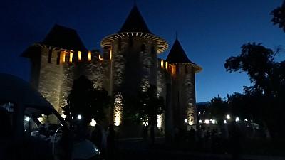 SPECTACOL GRANDIOS la Cetatea Sorocii. Cu prilejul Nopţii Muzeelor, la eveniment au participat zeci de artişti Moldova şi de peste hotare