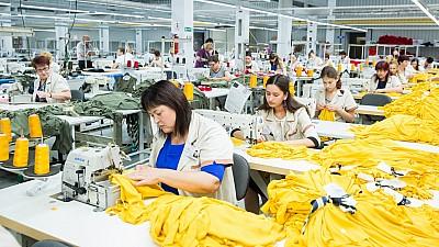 Noi investiţii în Republica Moldova. Un businessman român a deschis o fabrică de textile la Bălţi