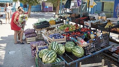 În Capitală vor fi amenajate mai multe iarmaroace agricole, de unde oamenii vor putea cumpăra fructe şi legume de la producătorii autohtoni