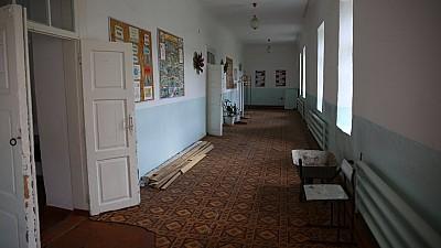 Condiţii decente la un gimnaziu din raionul Căușeni. Instituția este reparată capital pentru prima dată în 90 de ani