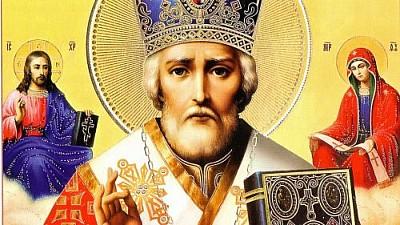 Creștinii ortodocşi îl sărbătoresc pe Sfântul Ierarh Nicolae. În bisericile din ţară sunt oficiate slujbe, iar în zeci de localităţi este sărbătorit hramul