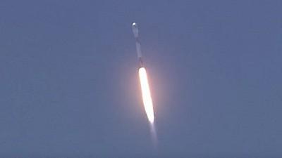 Imaginea zilei: La o bază militară din California, compania Space X a lansat o rachetă Falcon 9 pentru a plasa pe orbită doi sateliţi. Ce misiune au aceștia